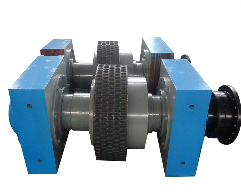 Roller assembly