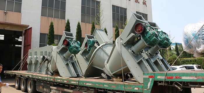 Fluorite powder briquetting machine